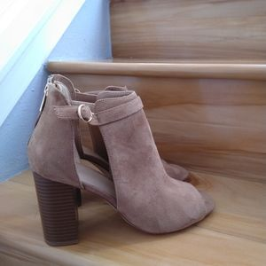A new day high heels size 10